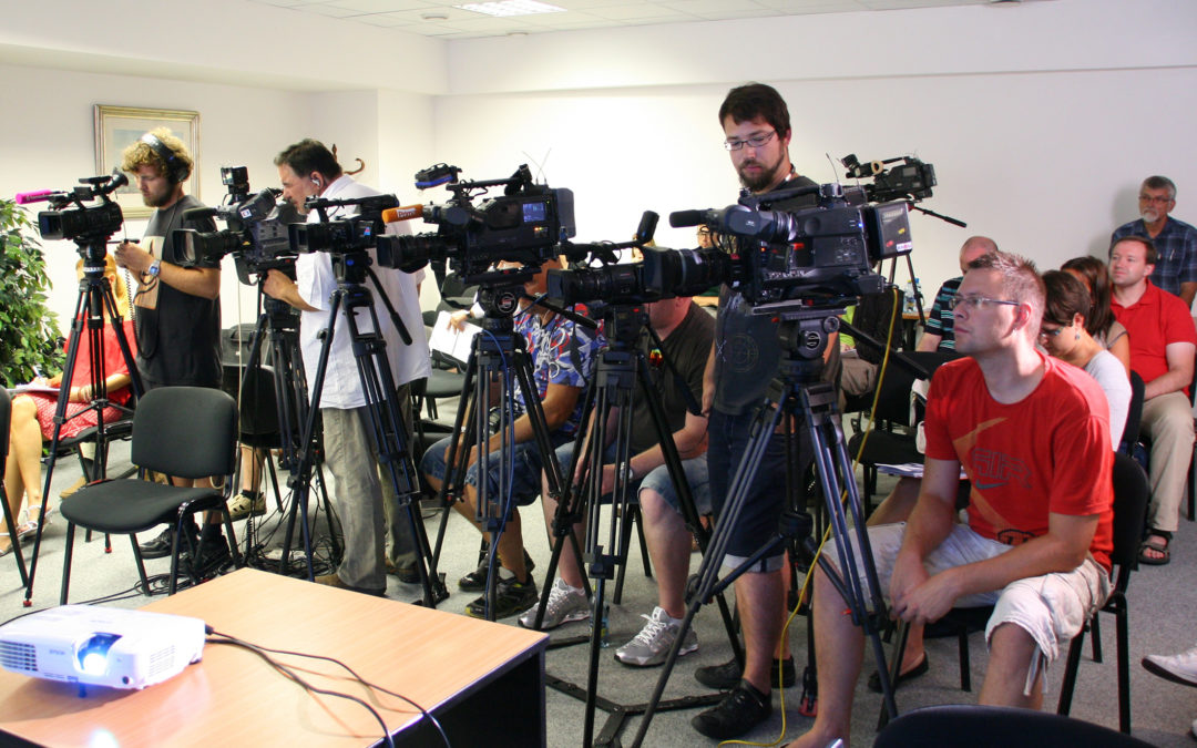 Facing the press: Strategies to manage media coverage of community associations